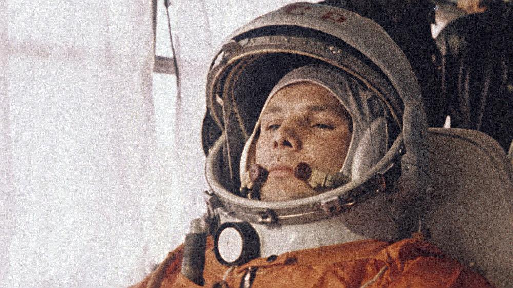 картинки полета человека в космос красноярский
