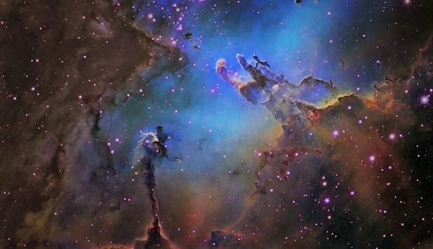 Столпы творения в туманности Орла