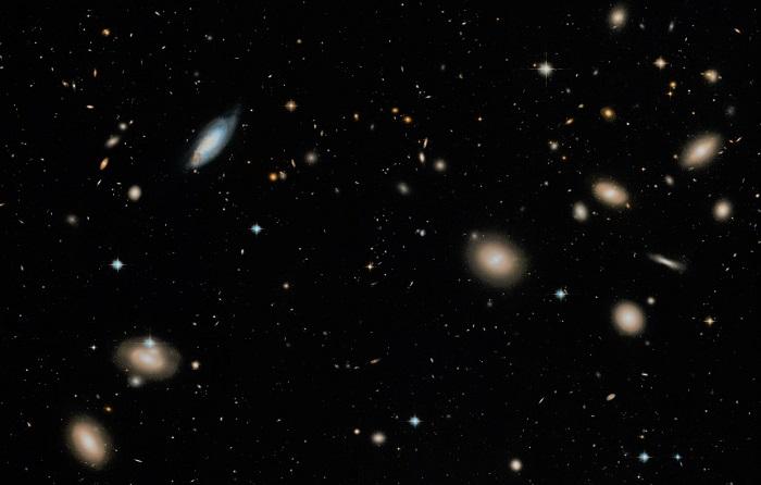 Скопление галактик Волос Вероники