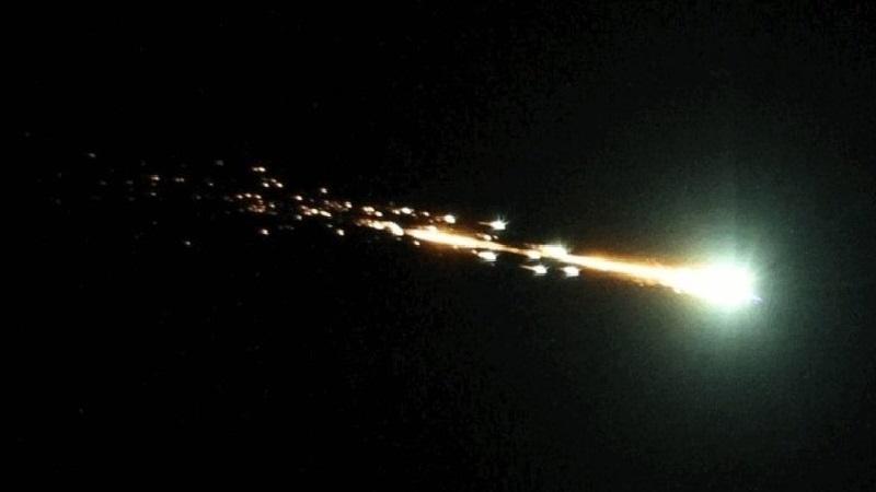 Сгорание космического объекта в атмосфере