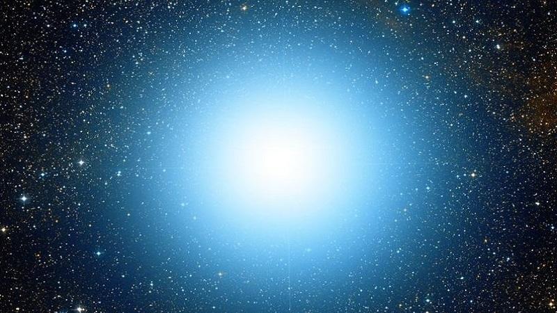 Спика - самая яркая звезда в созвездии Девы и шестнадцатая по яркости звезда неба с видимой звёздной величиной +1,04