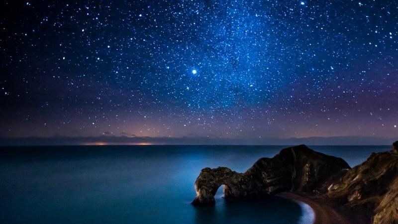 Звёздное небо над морем